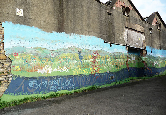 Accrington Mural, Idle Women